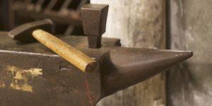 Antipatrones de desarrollo software: Golden Hammer